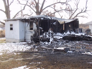 Sunday blaze wrecks home south of Richland