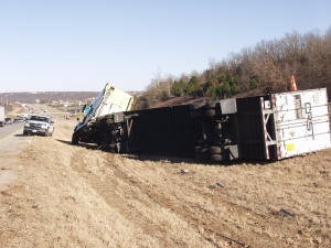 Semi rollover snarls I-44 at West Waynesville exit