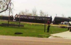 Swedeborg school evacuated after anhydrous tanker train derailment