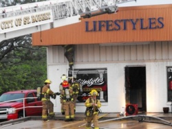 Thursday morning St. Robert fire wrecks hair salon in Copperfield Plaza