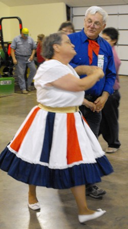 Travelers square dance club preserves traditional American entertainment
