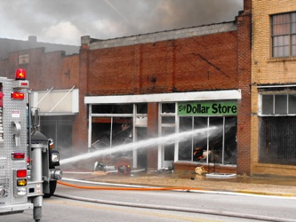 Second-alarm structure fire wrecks Dollar Store in downtown Richland