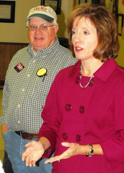 Vicky Hartzler rallies area veterans, explains her efforts to replace Skelton