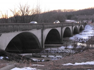 Engineers pull plug on Roubidoux Bridge lighting project proposal
