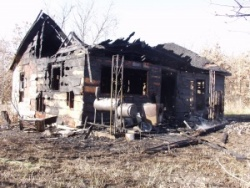Gunpowder-fueled blaze destroys home west of Crocker